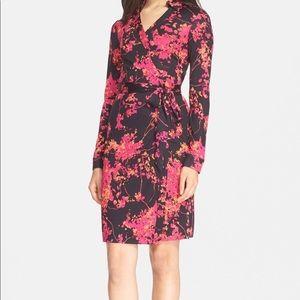 DVF the New Jeannie Wrap Dress Sz 8